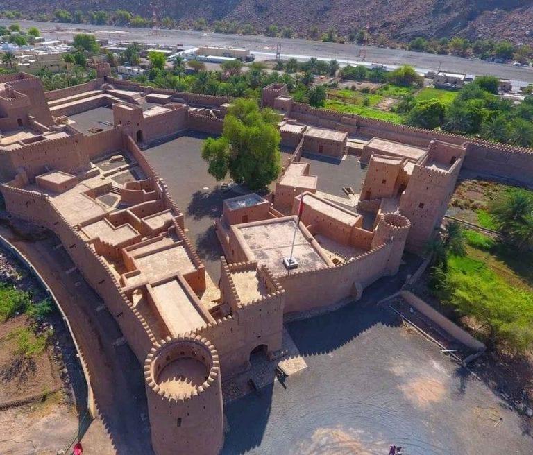 """"""" حصن بيت المراحFort of almarah house """" .. افضل معالم السياحة في الظاهرة .."""