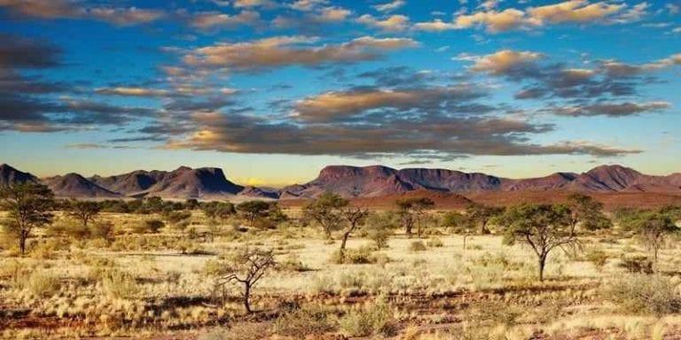 """"""" صحراء كالاهارى Kalahari Desert """" افضل معالم السياحة في بوتسوانا .."""