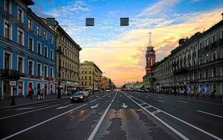 """"""" شارع نيفسكي بروسبكت Nevsky Prospect """" ..افضل اماكن السياحة في بطرسبرغ .."""