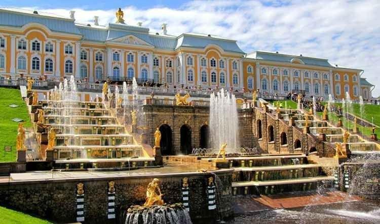 """"""" قصر بيترهوف Peterhof Palace"""" .. أهم اماكن السياحة في بطرسبرغ .."""