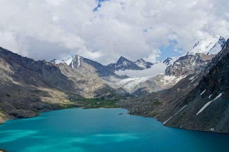 """"""" بحيرة سونغ كول Song- kol lake """" .. افضل اماكن السياحة في قيرغستان .."""