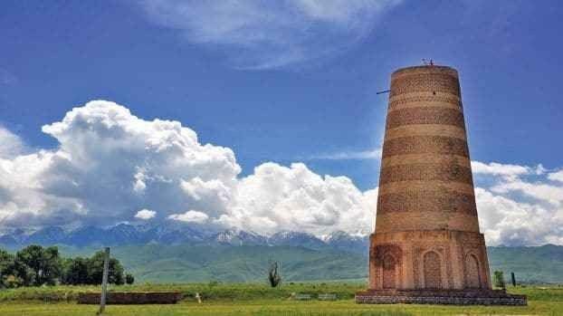 """"""" برج بورانا Burana Tower """" .. أهم اماكن السياحة في قيرغستان .."""
