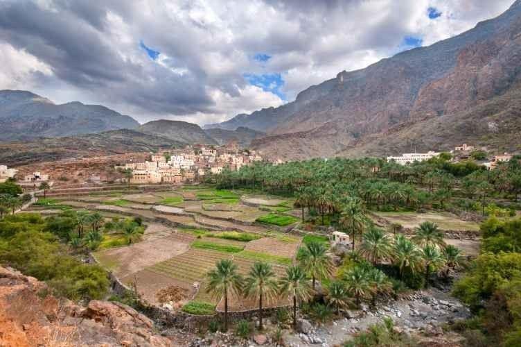 السفر الى الرستاق .. تعرف على درجات الحرارة وأفضل أوقات الزيارة فى الرستاق بسلطنة عمان ..