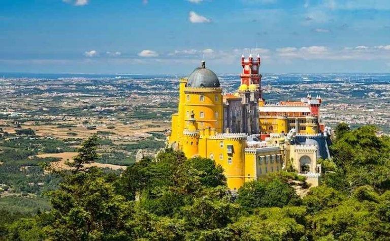 """قصر بينا الوطني""""Pena National Palace""""..أجمل الاماكن السياحية في سينترا البرتغال.."""