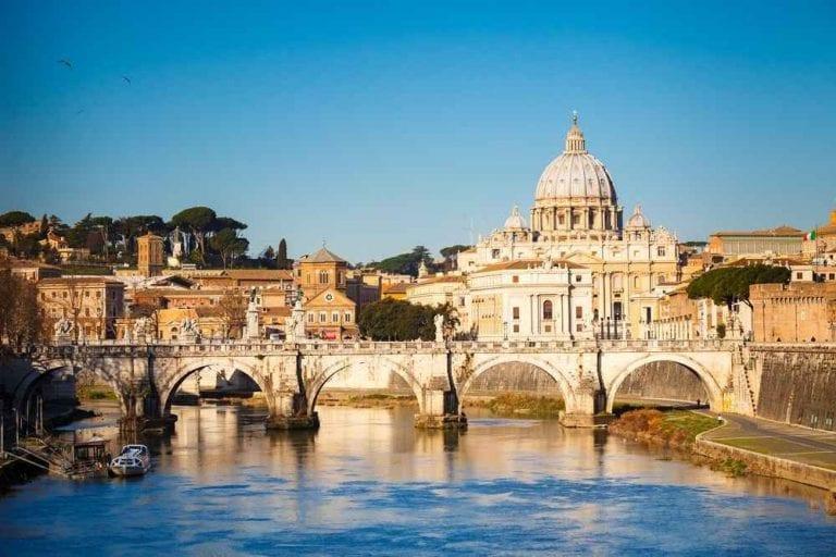 -إليك..أغرب العادات والتقاليد المتعلقة بالمناسبات فى روما...
