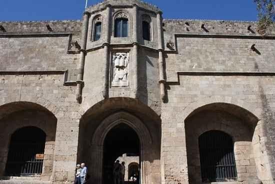 المتحف الأثري بمدينة رودس القديمة