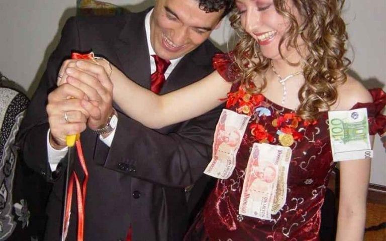 """عادات وتقاليد """"ليلة الزفاف"""" فى تركيا..."""
