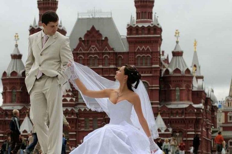 تعرف على..أشهر عادات وتقاليد الزواج فى روسيا..