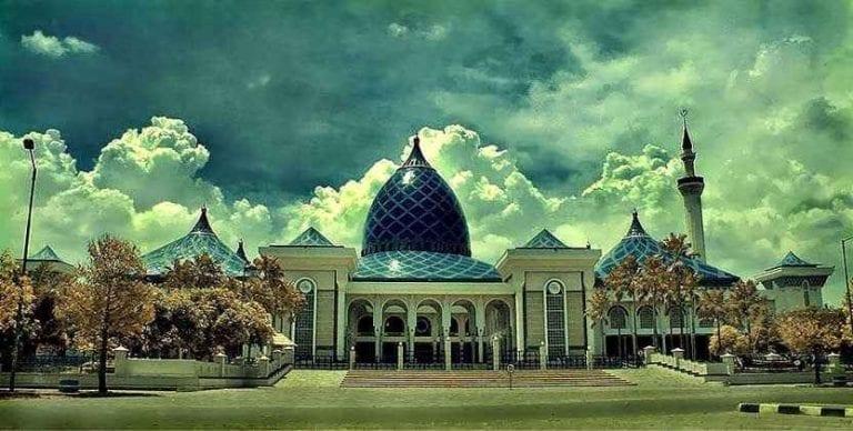 """""""سورابايا"""" مدينة تضم العديد من المساجد الجميلة والمطاعم الشهية و العديد من المتاحف الممتعة للكبار والصغار"""