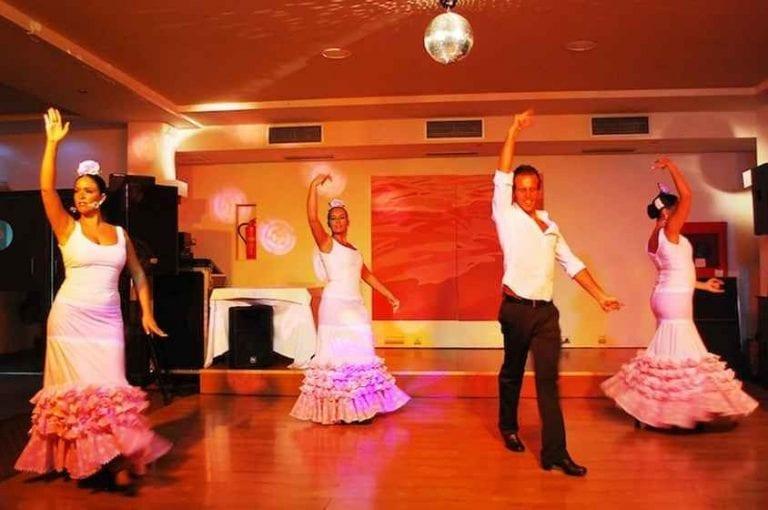 """""""رقصة الفلامنكو""""..واحدة من أشهر عادات وتقاليد الزواج فى أسبانيا.."""