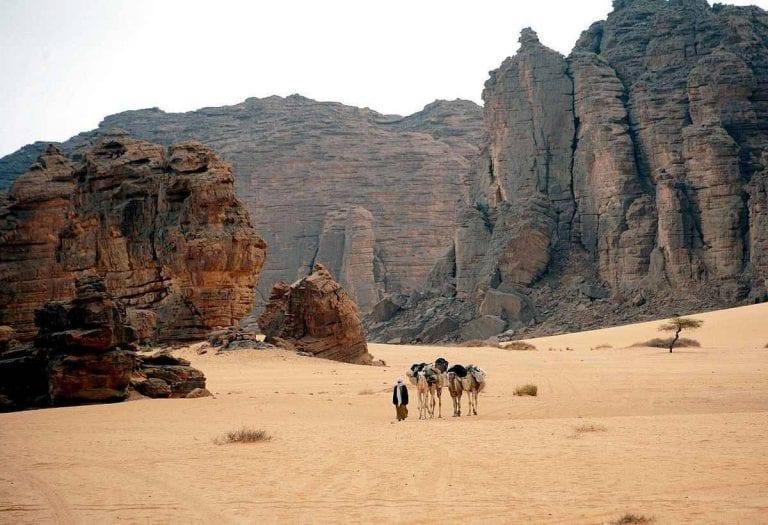 """""""المرتفعات""""..افضل معالم السياحة في مدينة جانت الجزائرية.."""