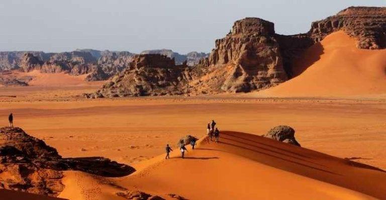 """""""الصحراء""""..أبرز معالم السياحة في مدينة جانت الجزائرية ..."""