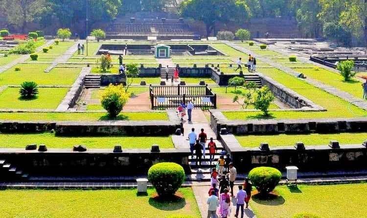 شانيوار وادا - السياحة في بونا الهند Puna India