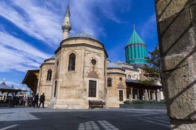 """"""" متحف مولانا Mevlana Museum"""" .. اجمل اماكن السياحة في مدينة قونيا .."""