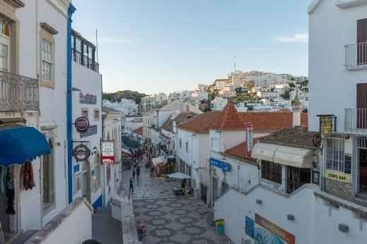 """الاماكن السياحية في ألبوفيرا البرتغال .."""" شوارع ألبوفيراstreets of Albufeira """" .."""