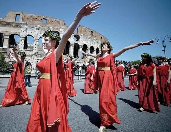 تعرف على..أهم عادات وتقاليد سكان روما ..