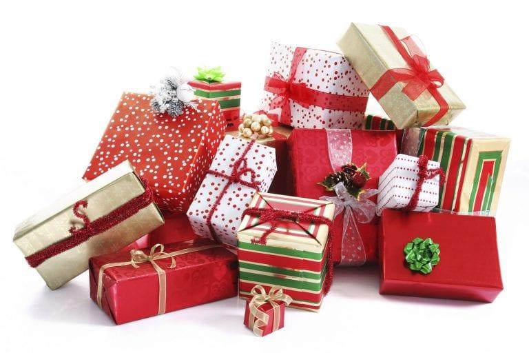 """""""تقديم الهدايا والمجاملات"""" أبرز عادات وتقاليد البنغال.."""