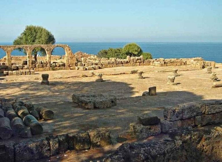 """"""" المدينة الأثرية فى تيبازةThe ancient city of Tipaza """" .. اجمل اماكن السياحة في مدينة تيبازة .."""
