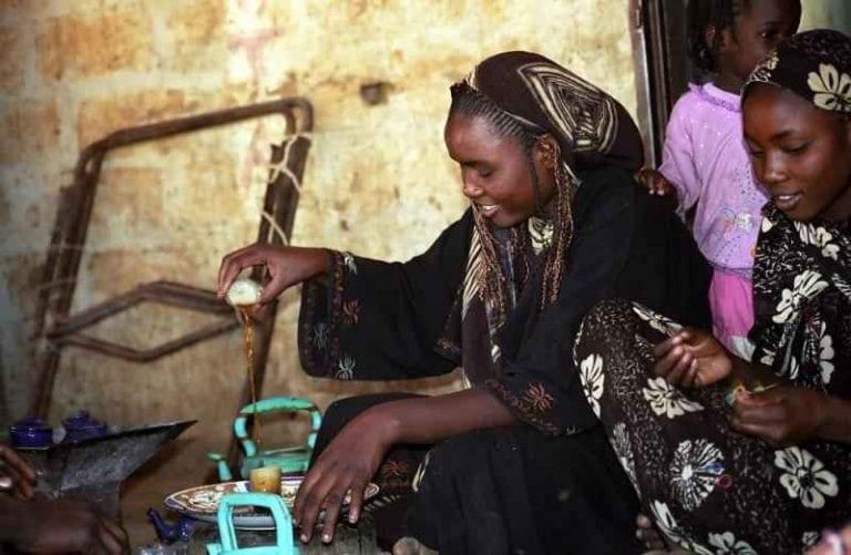 """المرأة فى موريتانيا..تتزوج """"خمسة رجال """" على الأقل .."""