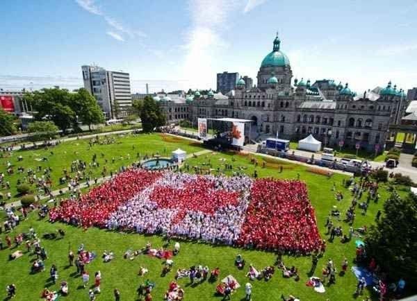 فى كندا..إلتزم بالعادات والتقاليد التالية..