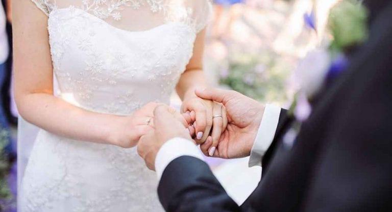 """حفلة """"توديع العزوبية""""..أبرزعادات وتقاليد الزواج في روسيا.."""