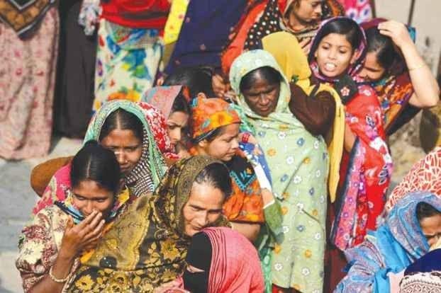 """""""إحترام الكبير"""" واحدة من أهم عادات وتقاليد البنغال.."""