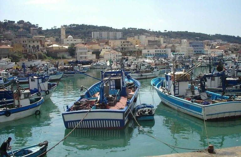 """الاماكن السياحية في مدينة تيبازة .. """" ميناء بوهارون Port of Poharon """" .."""