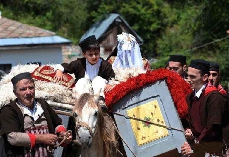 - إليك..أغرب عادات وتقاليد الشعب الروسى..