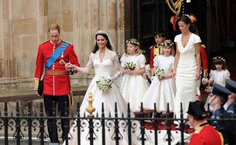 """""""إستعارة الملابس"""" واحدة من أهم عادات وتقاليد الزواج فى بريطانيا.."""