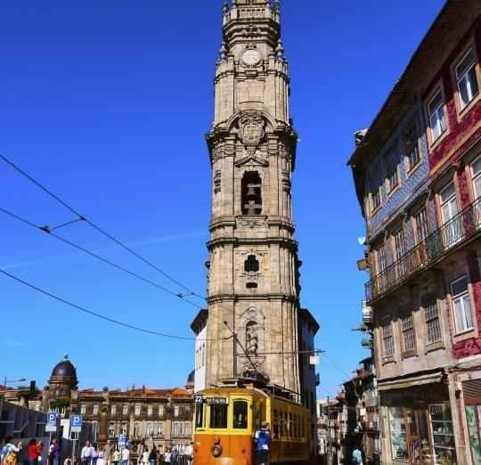 """برج """"كليريغوس""""..أفضل الاماكن السياحية في بورتو البرتغال..."""