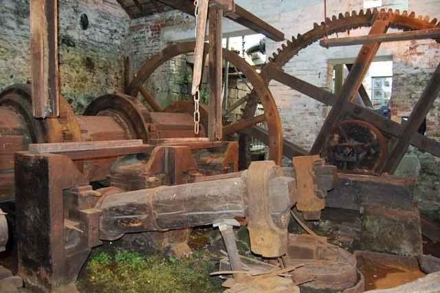 """الاماكن السياحية في مدينة شيفيلد .. """" متحف إبيديل Abbeydale Industrial Hamlet """" .."""