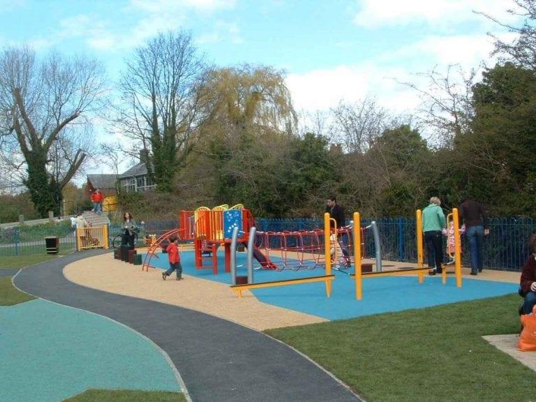 """"""" حديقة غريفس Graves Park """" .. اجمل اماكن السياحة في مدينة شيفيلد .."""