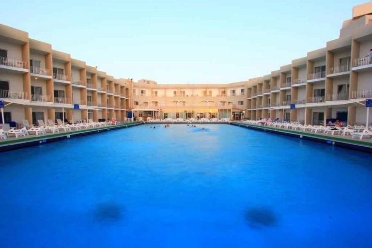 فندق شاطئ الشارقة
