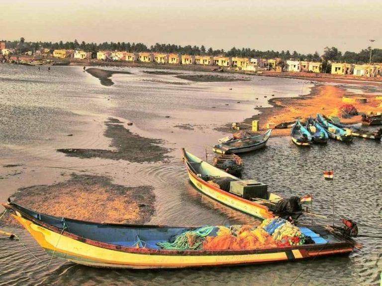 بحيرات - السياحة في مدينة مدراس الهندية Chennai