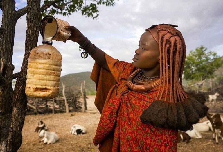 """تقاليد وعادات المرأة فى قبيلة """" الهيمبا """" .."""