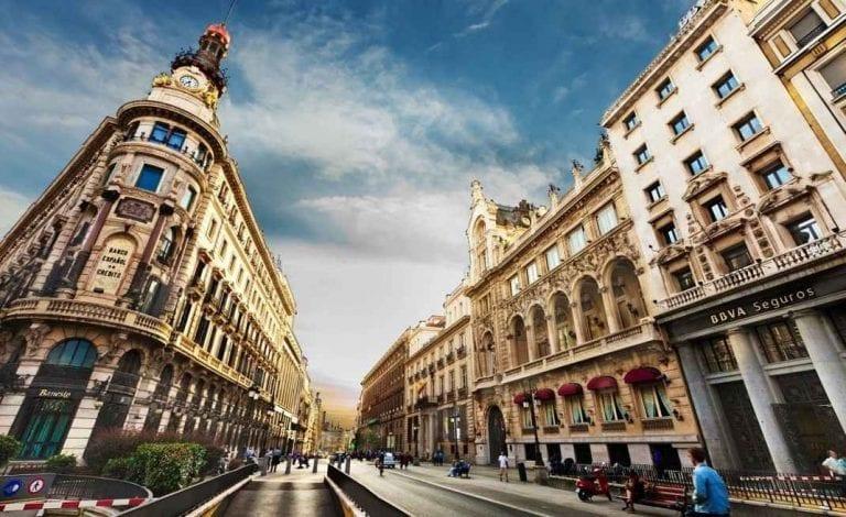 """- اليوم """" الأول و الثانى و الثالث """" .. زيارة مدينة مدريد .."""