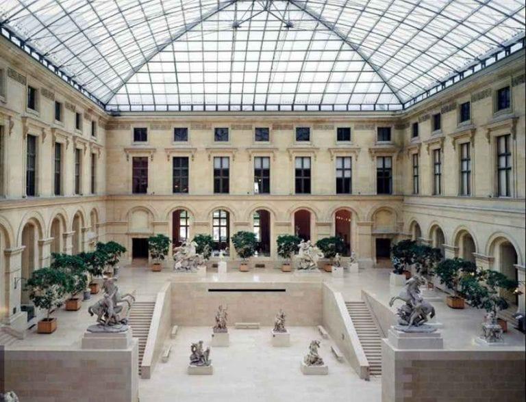 """متحف """"اللوفر""""Louvre Museum..واحدا من أهم المتاحف في باريس.."""