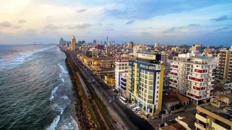 """- اليوم الأول والثانى والثالث زيارة مدينة """" كولومبو """" .."""