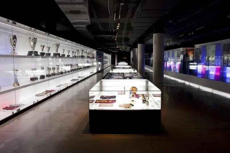 """ متحف نادى برشلونة Barcelona Club Museum "" .."