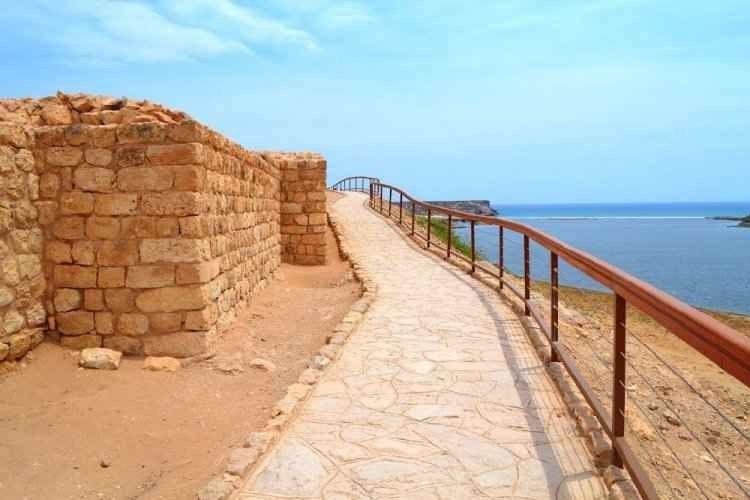 """- اليوم الثالث زيارة """" مدينة سمهرم الأثرية - مطعم البيت اللبنانى """" .."""