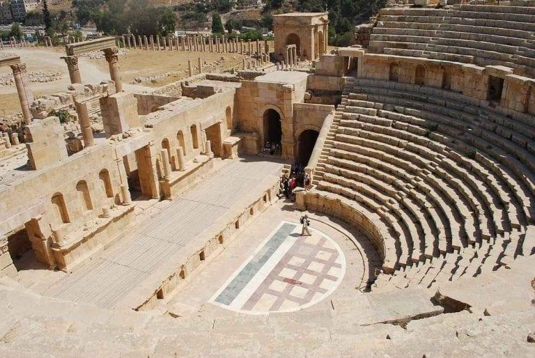 المسرح الجنوبي .. السياحة في جرشJerash