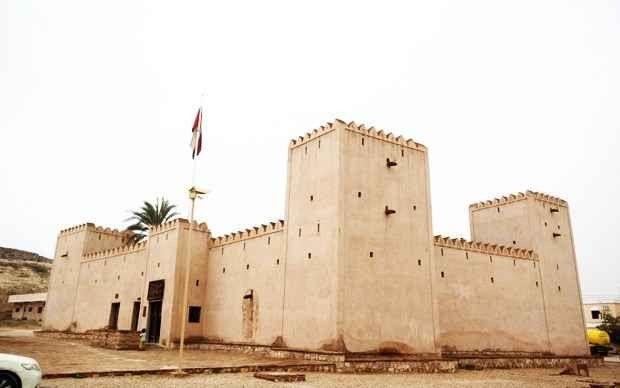 """- اليوم الرابع زيارة """" قلعة طاقة - مطعم دولفين بيتش"""" .."""
