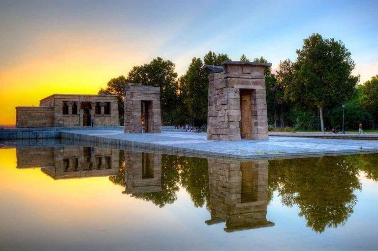 """اليوم الخامس """" المعبد المصرى ديبود - سوق البرغوث """" .."""