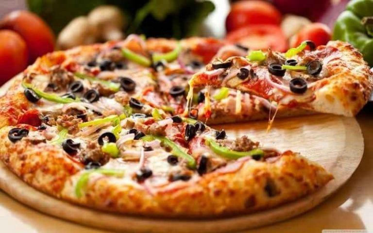 البيتزا.. الأكلات المشهورة في نيويورك New YOurk ..