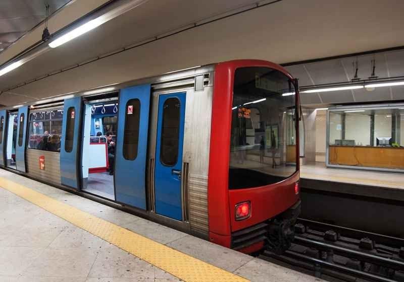 قطار الأنفاق Metro