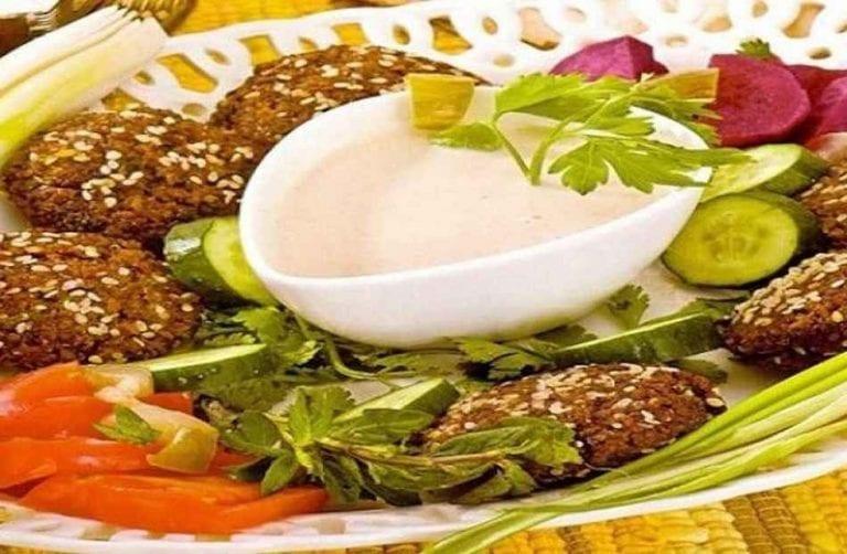 الفول والفلافل - الأكلات المشهورة في مصر Egypt