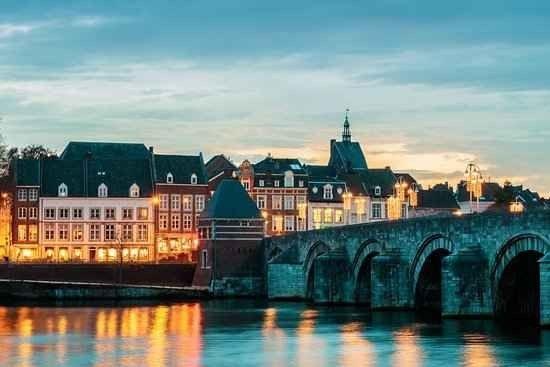 تعرف على درجات الحرارة و أفضل الأوقات لزيارة ماسترخت هولندا
