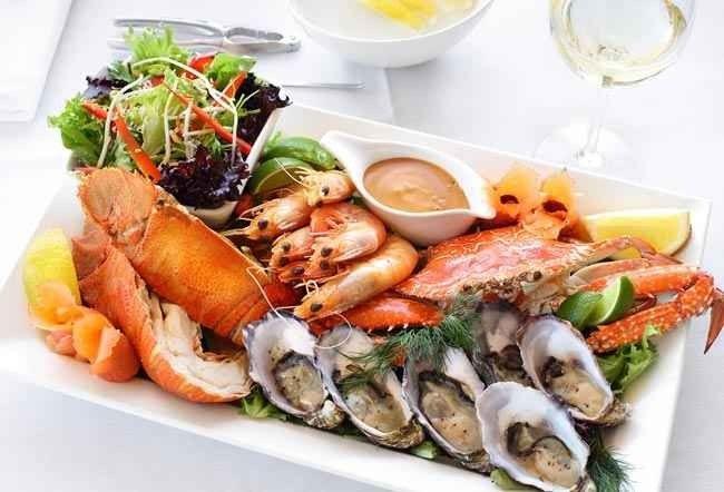 تعرفى على أشهى الأكلات وأفضل المطاعم فى جزر راجا امبات اندونيسيا ..