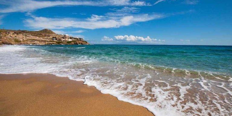 السياحة في ميكونوس