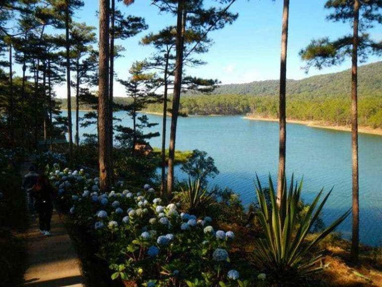 """"""" بحيرة توين لام Tuyen Lam lake"""" .."""